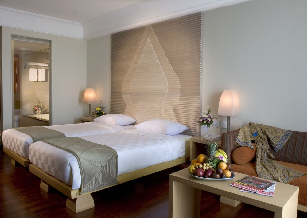 노보텔 세마랑(Novotel Semarang) Hotel Image 5 - Guestroom