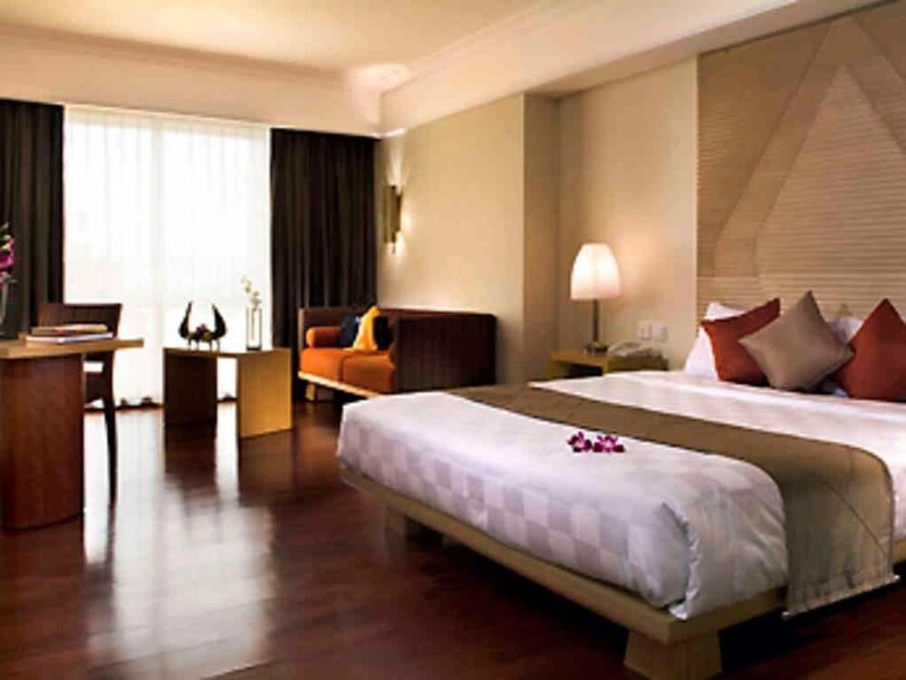 노보텔 세마랑(Novotel Semarang) Hotel Image 17 - Guestroom