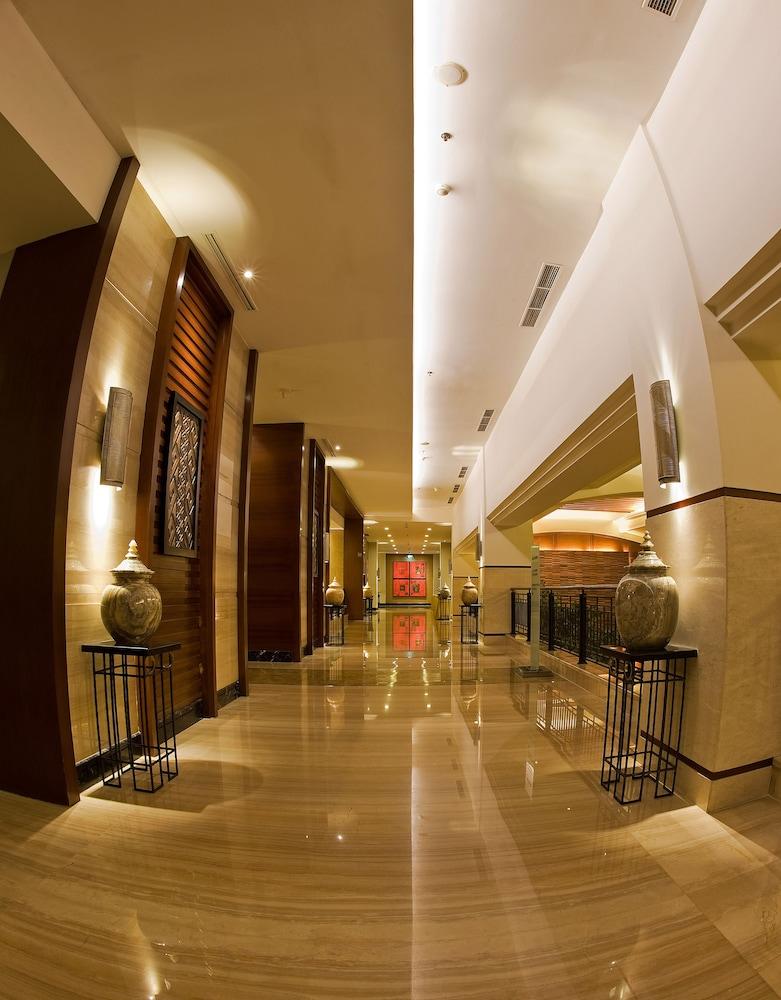 노보텔 세마랑(Novotel Semarang) Hotel Image 64 - Hallway