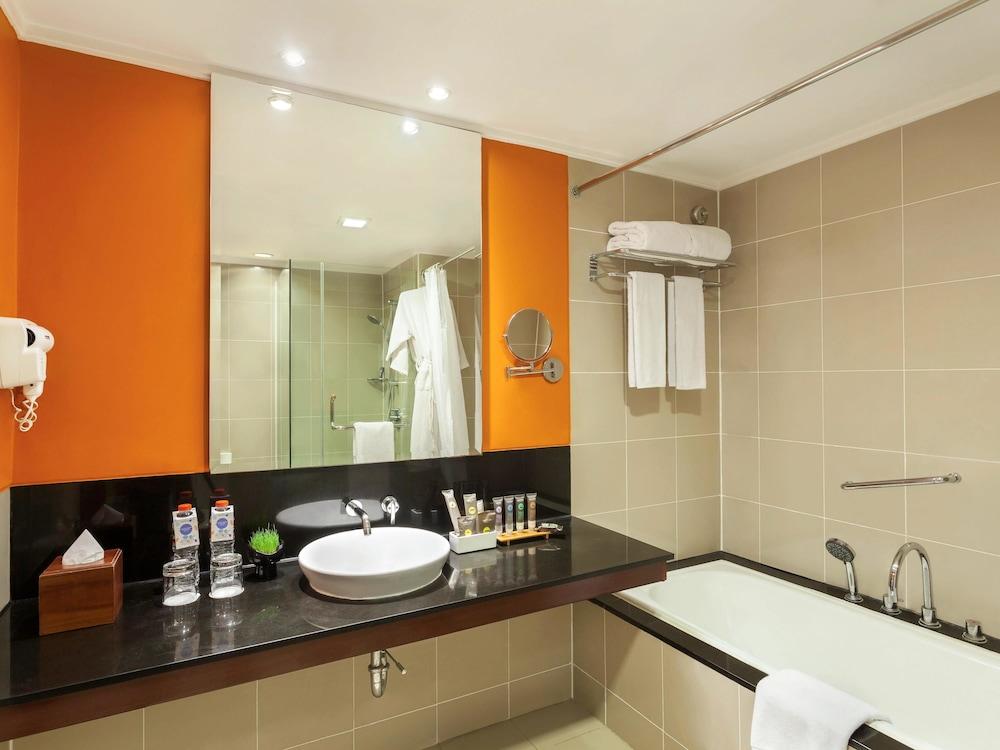 노보텔 세마랑(Novotel Semarang) Hotel Image 21 - Guestroom