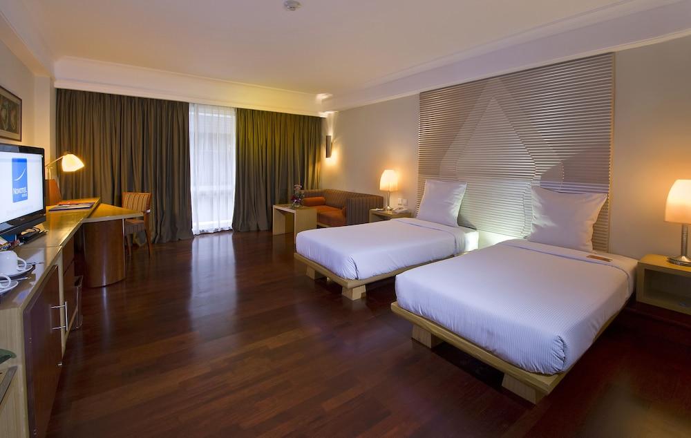 노보텔 세마랑(Novotel Semarang) Hotel Image 6 - Guestroom