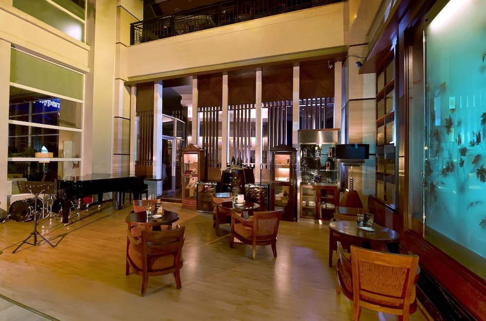 노보텔 세마랑(Novotel Semarang) Hotel Image 47 - Restaurant