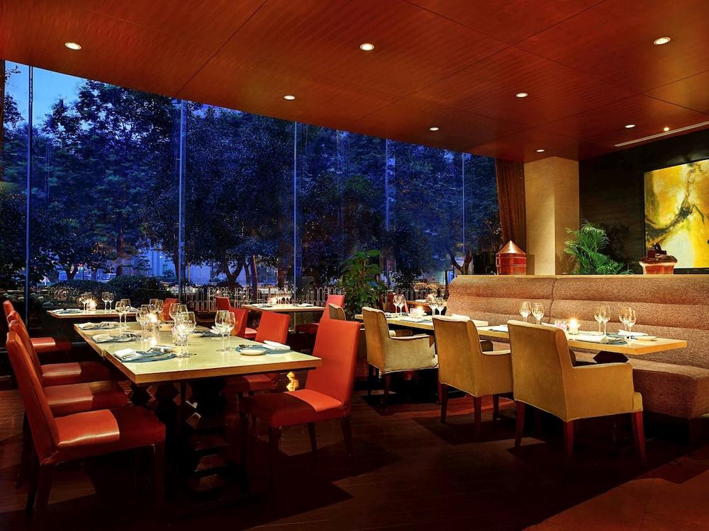 소피텔 시안 온 렌민 스퀘어(Sofitel Xian on Renmin Square) Hotel Image 34 - Dining