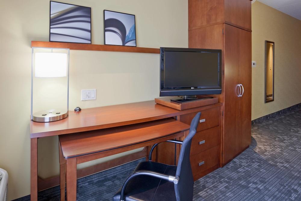 코트야드 바이 메리어트 로체스터 메이오 클리닉 지역/세인트메리스(Courtyard by Marriott Rochester Mayo Clinic Area/Saint Marys) Hotel Image 6 - Guestroom
