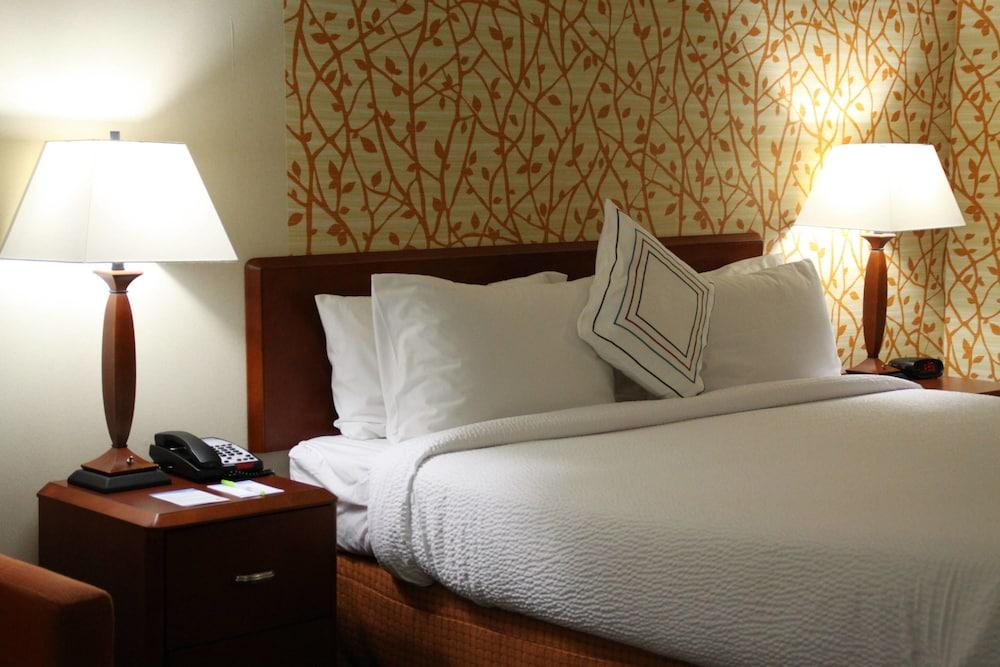 페어필드 인 앤드 스위트 바이 메리어트 덴턴(Fairfield Inn and Suites by Marriott Denton) Hotel Image 2 - Guestroom