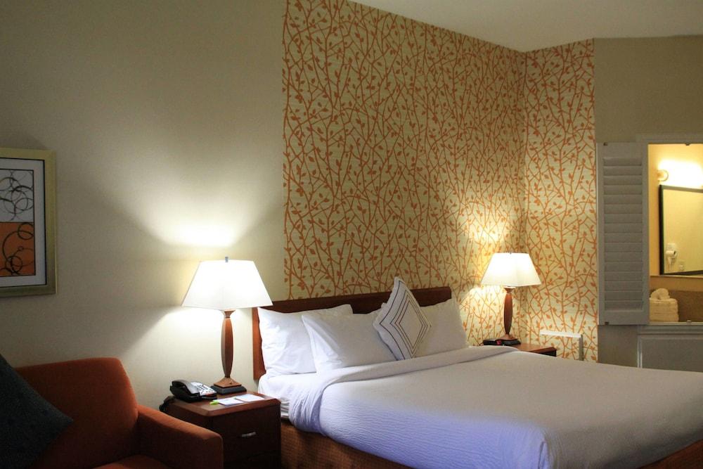 페어필드 인 앤드 스위트 바이 메리어트 덴턴(Fairfield Inn and Suites by Marriott Denton) Hotel Image 3 - Guestroom