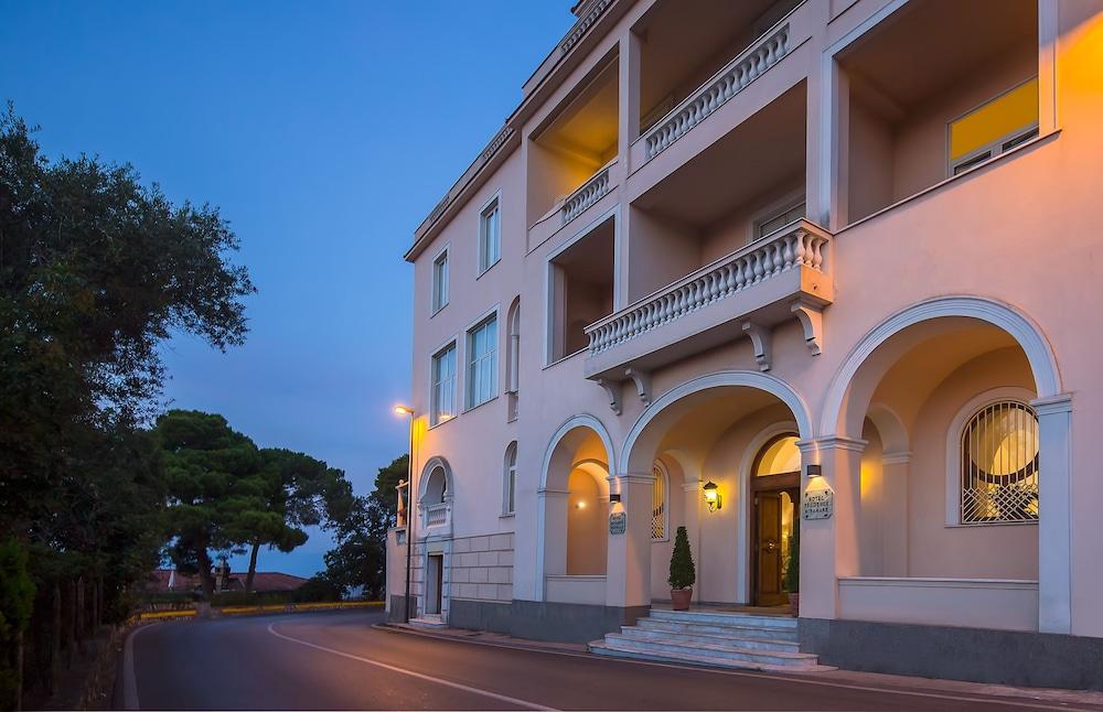 호텔 미라마레(Hotel Miramare) Hotel Image 44 - Hotel Entrance