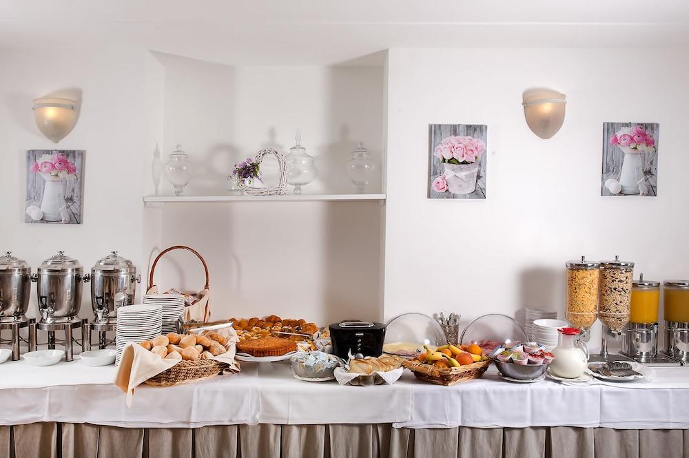 호텔 미라마레(Hotel Miramare) Hotel Image 36 - Breakfast Area