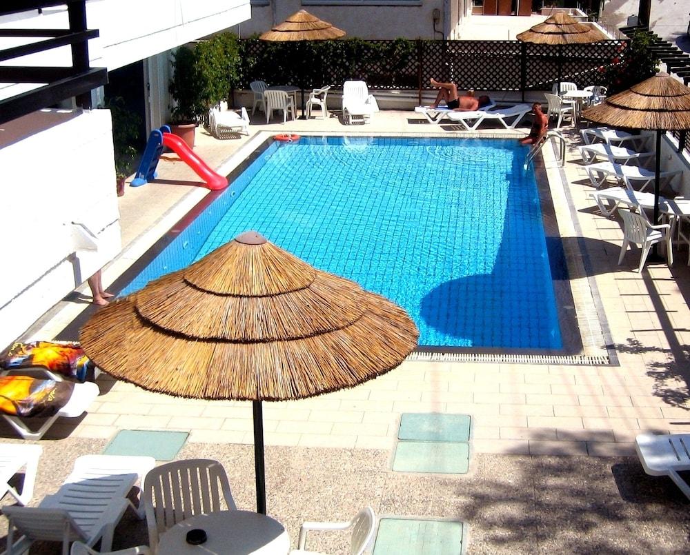 캐러벨 아파트먼트 호텔(Caravel Apartment Hotel) Hotel Image 21 - Outdoor Pool