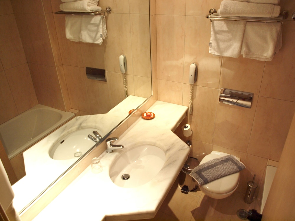 캐러벨 아파트먼트 호텔(Caravel Apartment Hotel) Hotel Image 33 - Bathroom