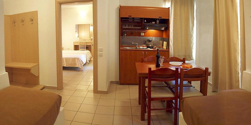 캐러벨 아파트먼트 호텔(Caravel Apartment Hotel) Hotel Image 10 - In-Room Dining