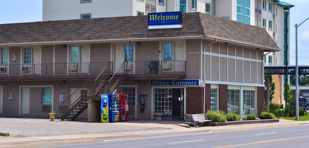 나이아가라 폴스 코트사이드 인(Niagara Falls Courtside Inn) Hotel Image 16 - Hotel Front