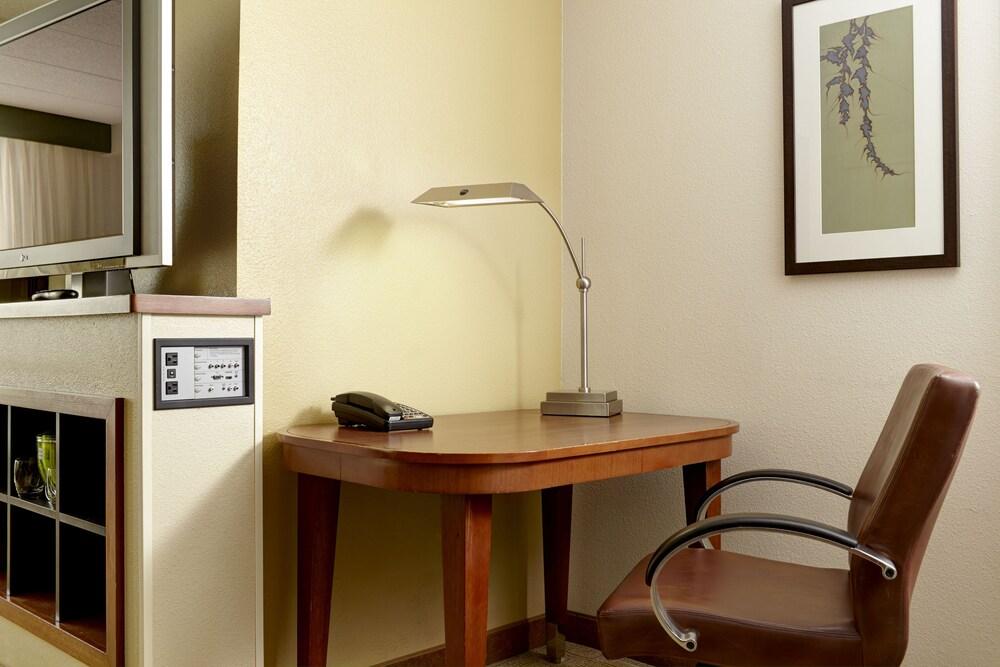 하얏트 플레이스 컬럼버스 노스(Hyatt Place Columbus-North) Hotel Image 7 - Guestroom