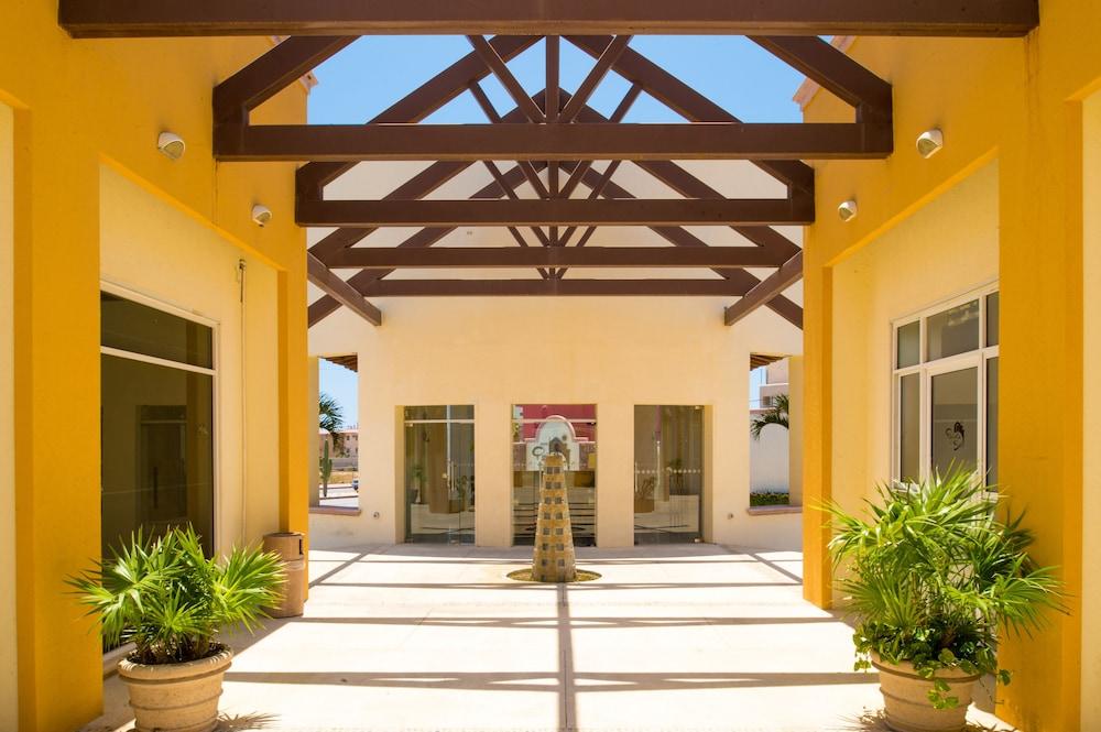 퀸타 델 솔(비용 일체 포함) 바이 솔마르(Quinta del Sol by Solmar) Hotel Image 13 - Interior Entrance