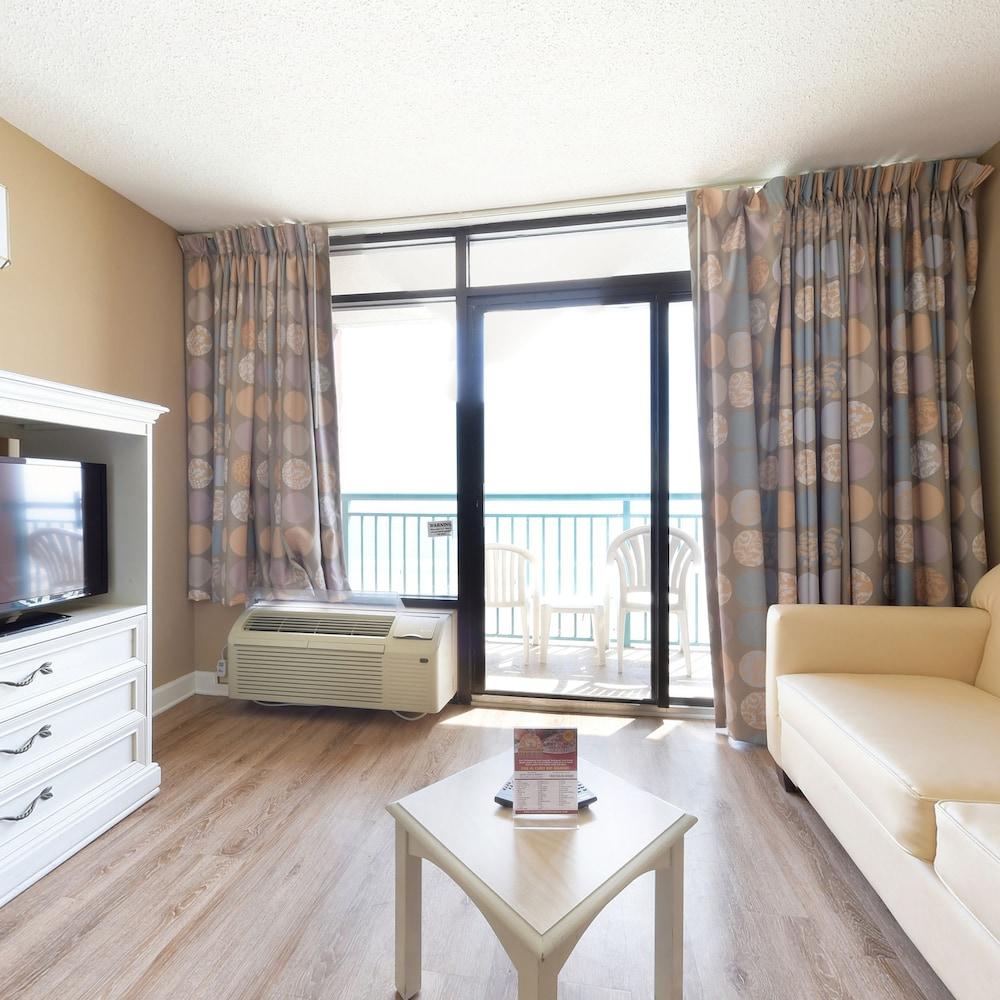 샌드캐슬 오션프런트 리조트 사우스비치(Sandcastle Oceanfront Resort South Beach) Hotel Image 36 - Living Area