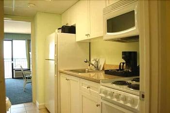 샌드캐슬 오션프런트 리조트 사우스비치(Sandcastle Oceanfront Resort South Beach) Hotel Image 57 - Guestroom