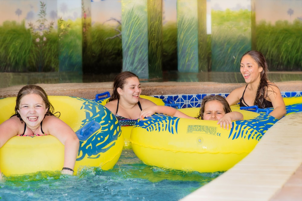 샌드캐슬 오션프런트 리조트 사우스비치(Sandcastle Oceanfront Resort South Beach) Hotel Image 6 - Pool