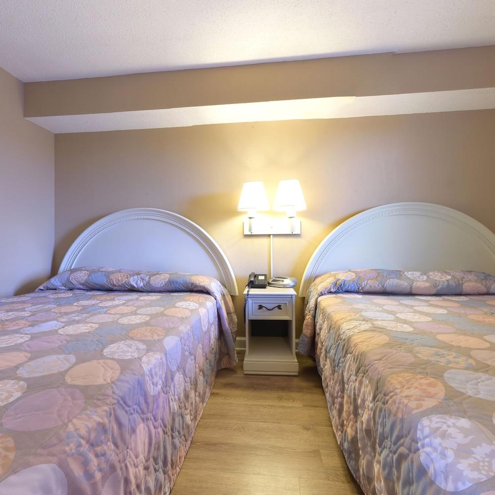 샌드캐슬 오션프런트 리조트 사우스비치(Sandcastle Oceanfront Resort South Beach) Hotel Image 16 - Guestroom