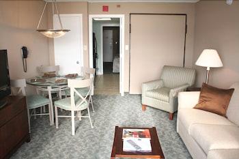 샌드캐슬 오션프런트 리조트 사우스비치(Sandcastle Oceanfront Resort South Beach) Hotel Image 38 - Living Area