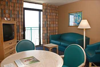 샌드캐슬 오션프런트 리조트 사우스비치(Sandcastle Oceanfront Resort South Beach) Hotel Image 42 - Living Room