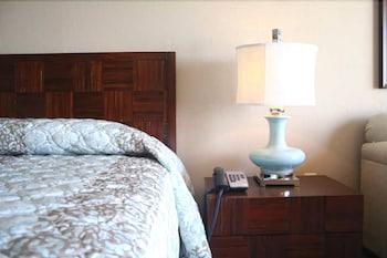샌드캐슬 오션프런트 리조트 사우스비치(Sandcastle Oceanfront Resort South Beach) Hotel Image 54 - Guestroom