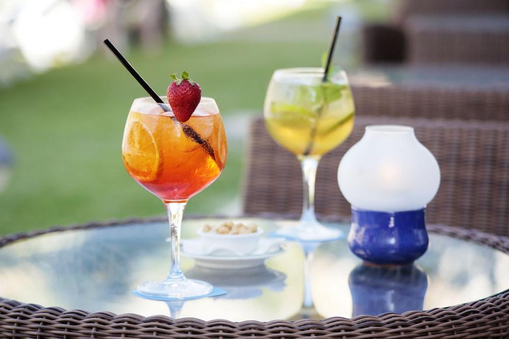 그루포텔 플라야 데 팔마 수이테스 앤드 스파(Grupotel Playa de Palma Suites & Spa) Hotel Image 42 - Food and Drink