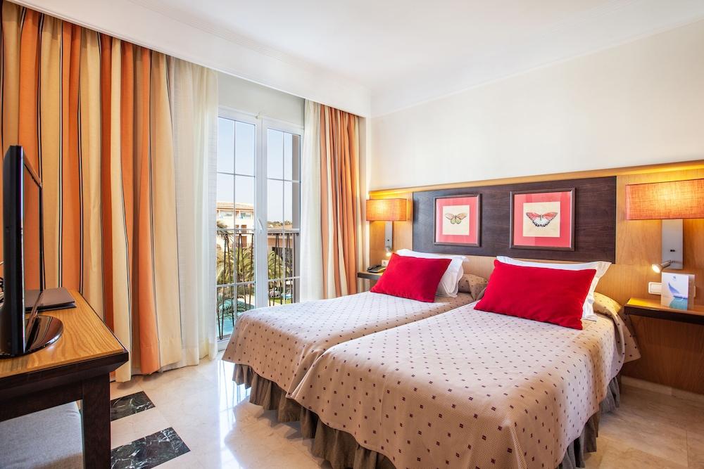 그루포텔 플라야 데 팔마 수이테스 앤드 스파(Grupotel Playa de Palma Suites & Spa) Hotel Image 10 - Guestroom