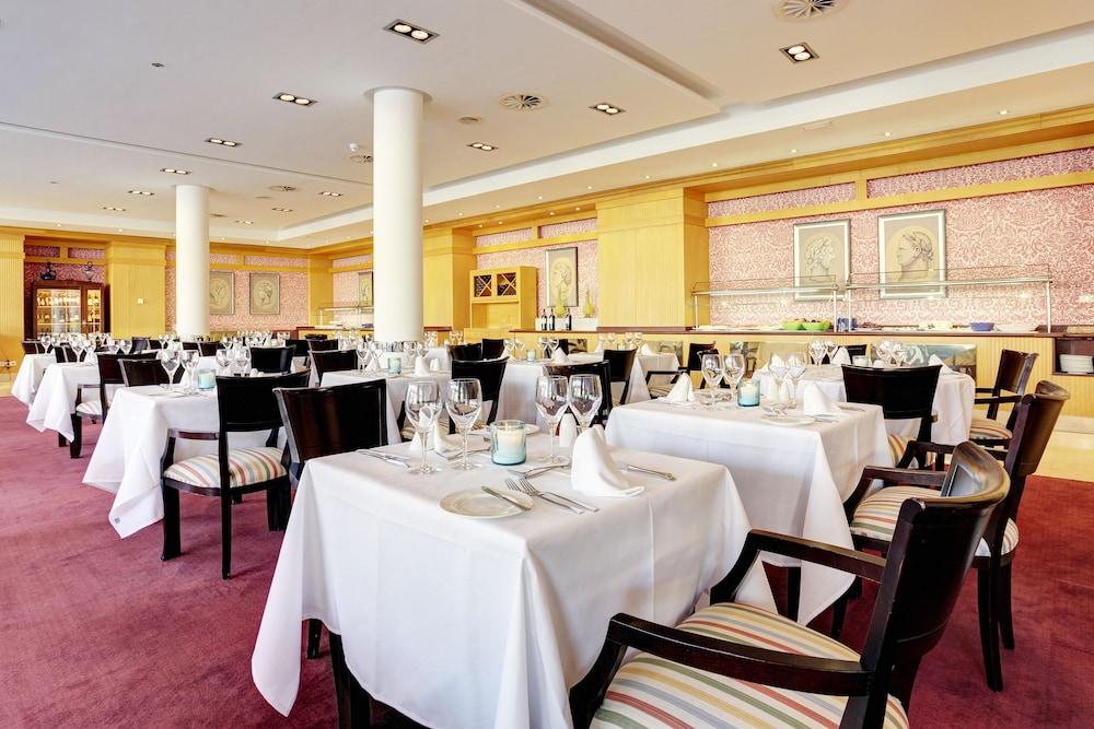 그루포텔 플라야 데 팔마 수이테스 앤드 스파(Grupotel Playa de Palma Suites & Spa) Hotel Image 40 - Restaurant