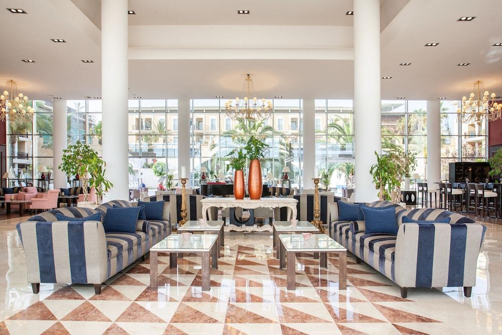 그루포텔 플라야 데 팔마 수이테스 앤드 스파(Grupotel Playa de Palma Suites & Spa) Hotel Image 1 - Lobby