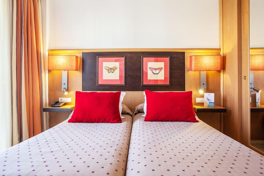 그루포텔 플라야 데 팔마 수이테스 앤드 스파(Grupotel Playa de Palma Suites & Spa) Hotel Image 13 - Guestroom