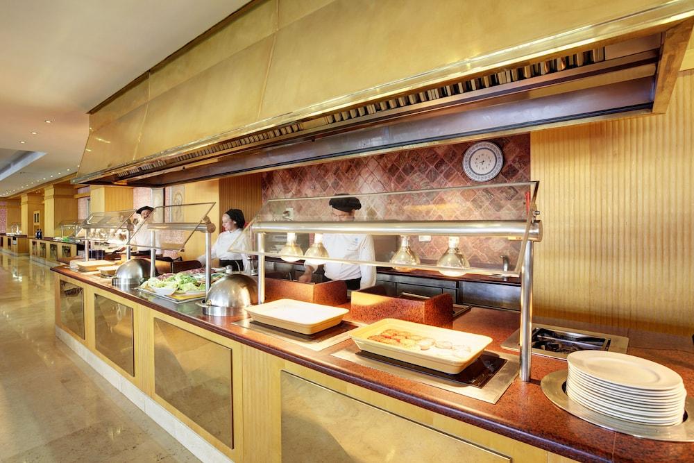 그루포텔 플라야 데 팔마 수이테스 앤드 스파(Grupotel Playa de Palma Suites & Spa) Hotel Image 41 - Buffet