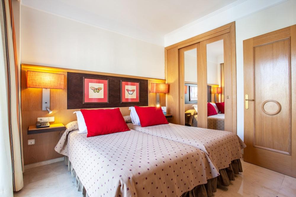 그루포텔 플라야 데 팔마 수이테스 앤드 스파(Grupotel Playa de Palma Suites & Spa) Hotel Image 14 - Guestroom