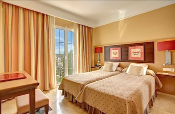 그루포텔 플라야 데 팔마 수이테스 앤드 스파(Grupotel Playa de Palma Suites & Spa) Hotel Image 6 - Guestroom