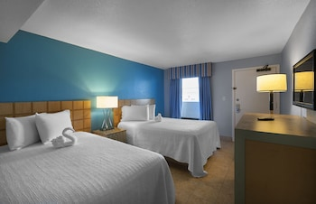 Guestroom at hotel BLUE in Myrtle Beach