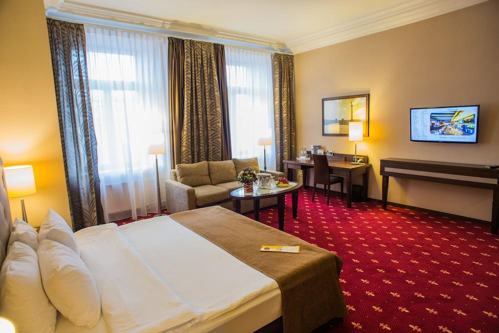 페트로 팰리스 호텔(Petro Palace Hotel) Hotel Image 17 - Guestroom View