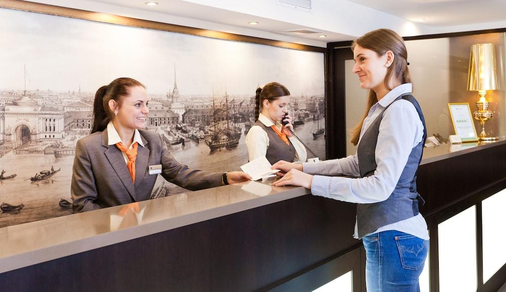 페트로 팰리스 호텔(Petro Palace Hotel) Hotel Image 24 - Reception