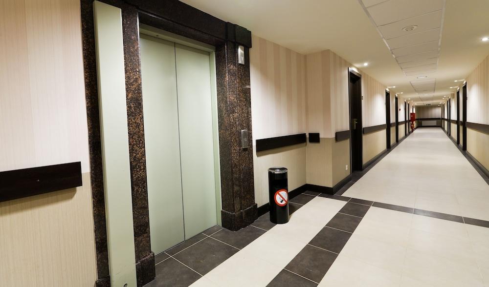 페트로 팰리스 호텔(Petro Palace Hotel) Hotel Image 44 - Hallway