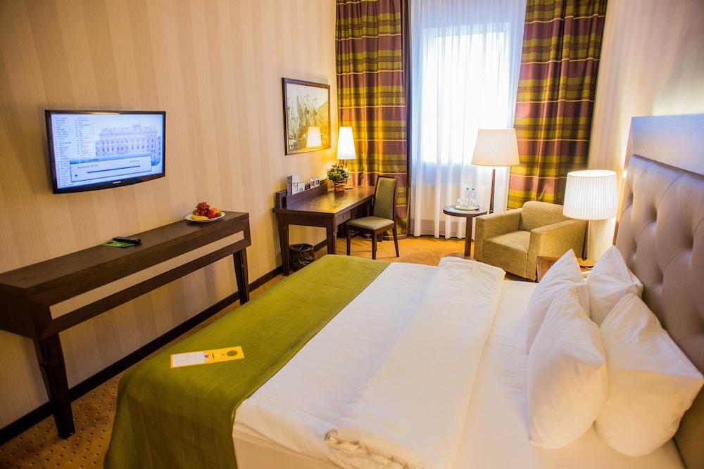 페트로 팰리스 호텔(Petro Palace Hotel) Hotel Image 18 - Guestroom View