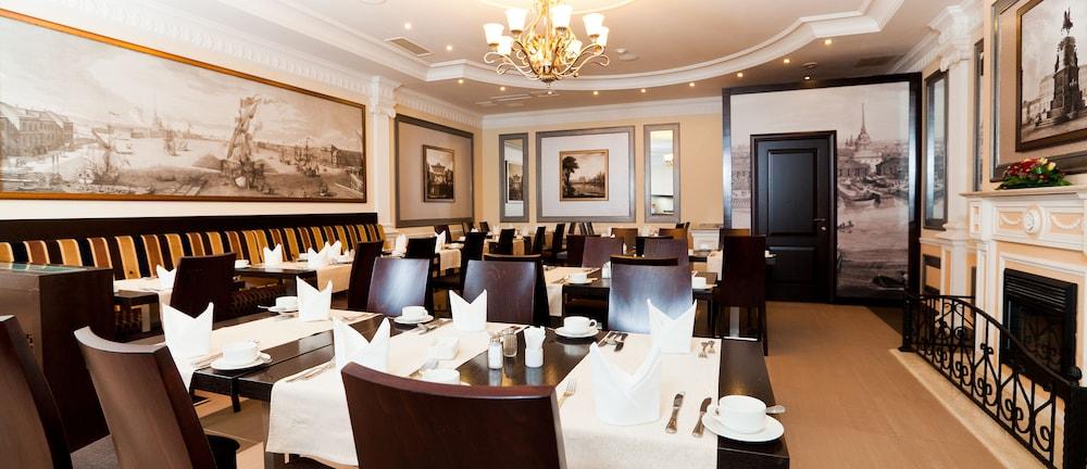 페트로 팰리스 호텔(Petro Palace Hotel) Hotel Image 38 - Restaurant