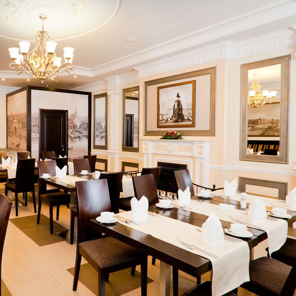 페트로 팰리스 호텔(Petro Palace Hotel) Hotel Image 39 - Restaurant