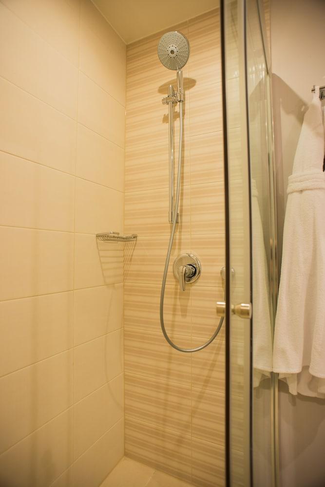 페트로 팰리스 호텔(Petro Palace Hotel) Hotel Image 26 - Bathroom