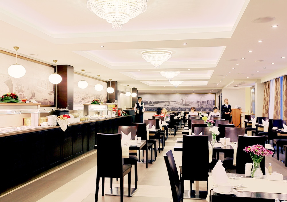 페트로 팰리스 호텔(Petro Palace Hotel) Hotel Image 41 - Breakfast buffet