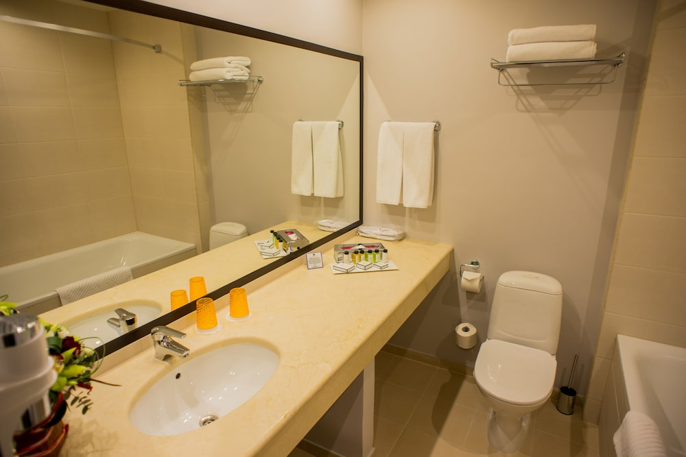 페트로 팰리스 호텔(Petro Palace Hotel) Hotel Image 27 - Bathroom