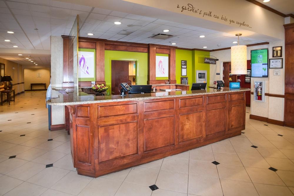 힐튼 가든 인 페이어트빌(Hilton Garden Inn Fayetteville) Hotel Image 25 - Reception