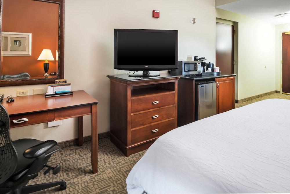 힐튼 가든 인 페이어트빌(Hilton Garden Inn Fayetteville) Hotel Image 13 - Guestroom