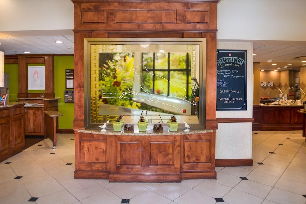 힐튼 가든 인 페이어트빌(Hilton Garden Inn Fayetteville) Hotel Image 2 - Reception