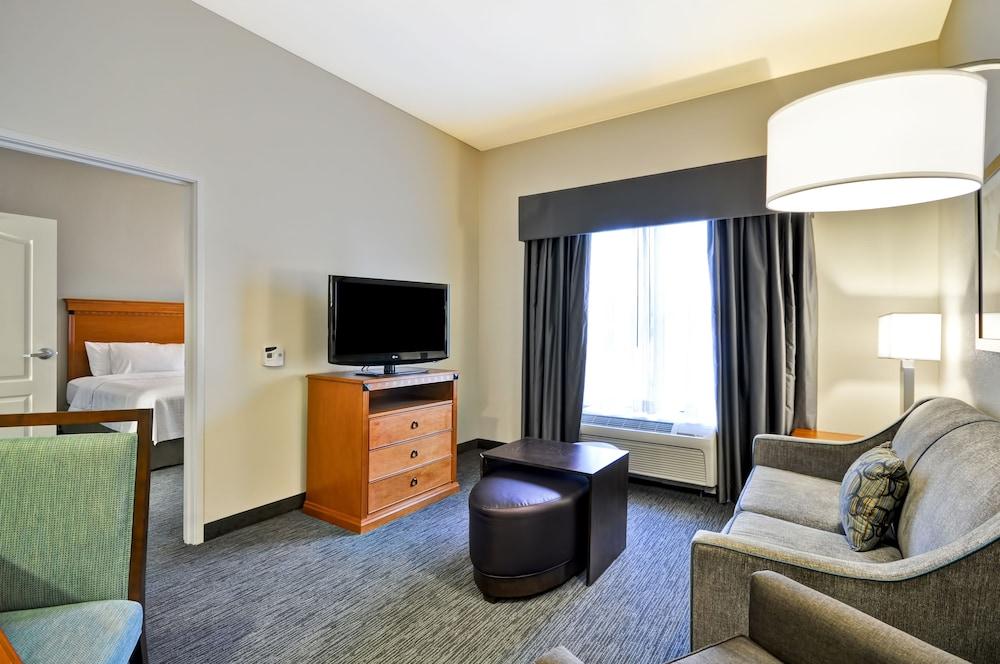 홈우드 스위트 바이 힐튼 신시내티-햄프턴, 오하이오(Homewood Suites by Hilton Cincinnati-Milford) Hotel Image 18 - Living Room