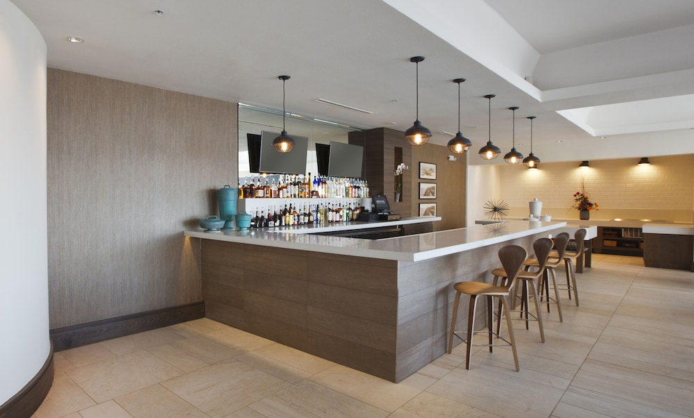 더블트리 바이 힐튼 호텔 갤버스턴 비치(DoubleTree by Hilton Hotel Galveston Beach) Hotel Image 54 - Hotel Bar