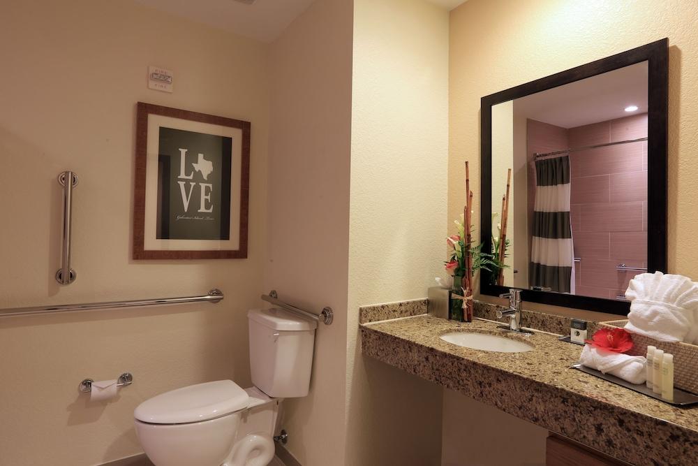더블트리 바이 힐튼 호텔 갤버스턴 비치(DoubleTree by Hilton Hotel Galveston Beach) Hotel Image 27 - Bathroom Sink