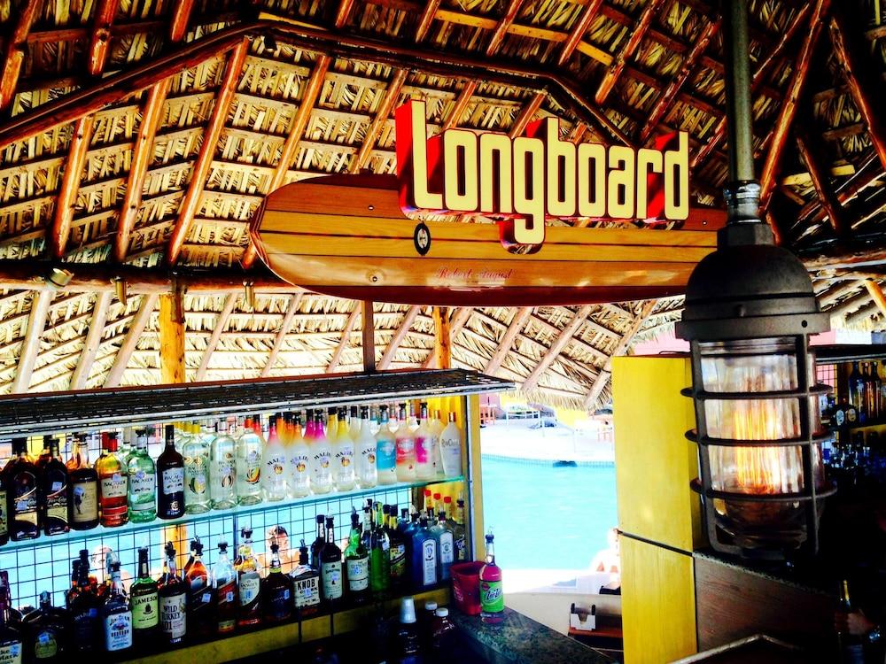 더블트리 바이 힐튼 호텔 갤버스턴 비치(DoubleTree by Hilton Hotel Galveston Beach) Hotel Image 7 - Pool
